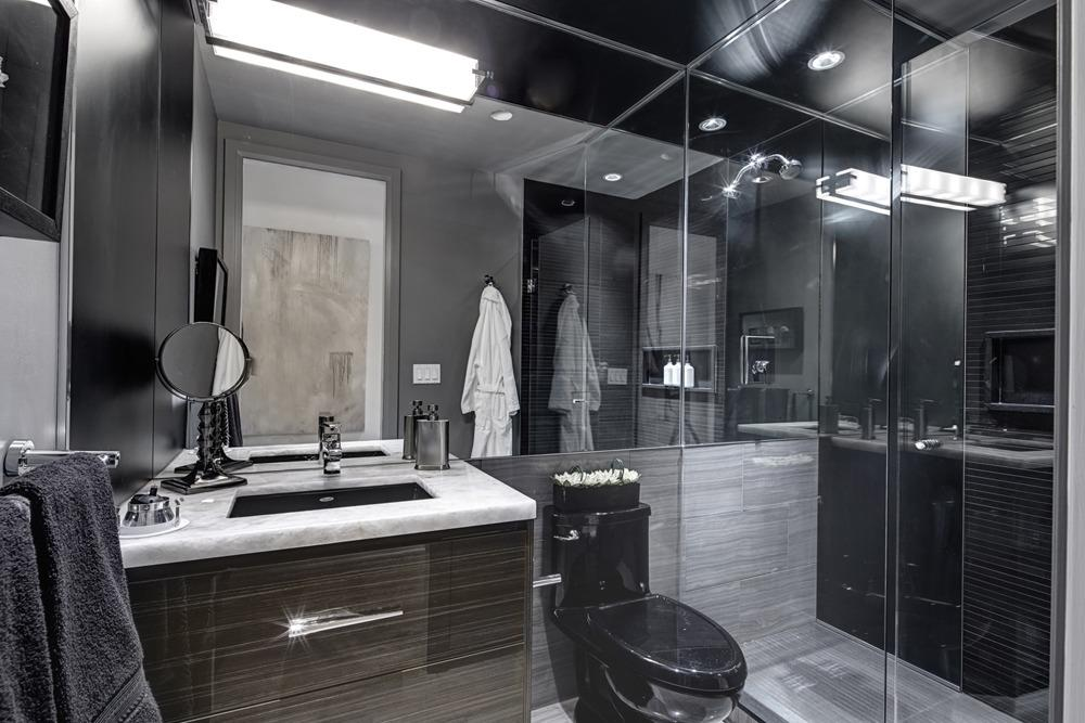 609 Avenue Road Condos Bathroom