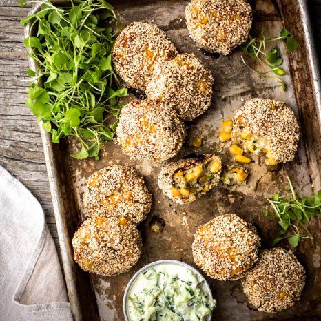 Croquettes de poulet, quinoa, maïs et sésame