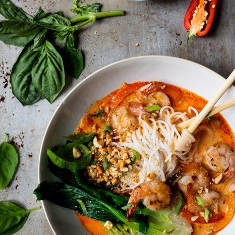 Soupe asiatique aux crevettes et au lait de coco