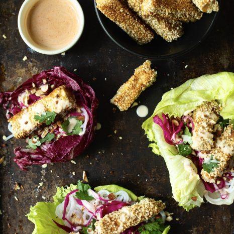 Wraps tofu, érable et sriracha