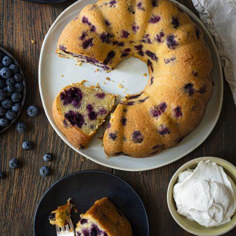 Gâteau aux bleuets, lime et gingembre
