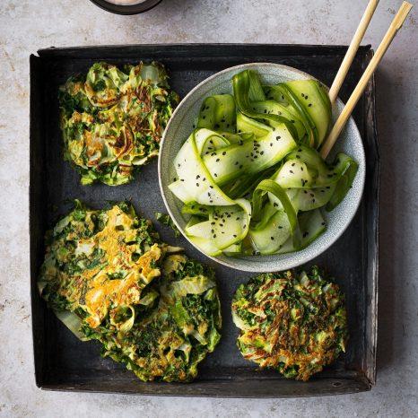 Omelettes japonaises et mayonnaise au gingembre (okonomiyaki )