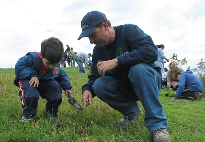 Father and son at TRCA planting event