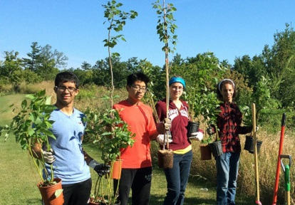 students at Conservation Youth Corps planting event