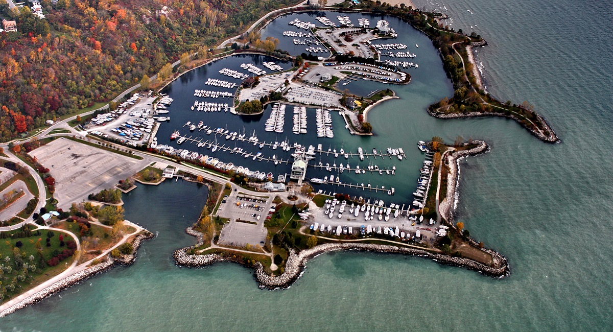 Aerial view of Bluffer's Park
