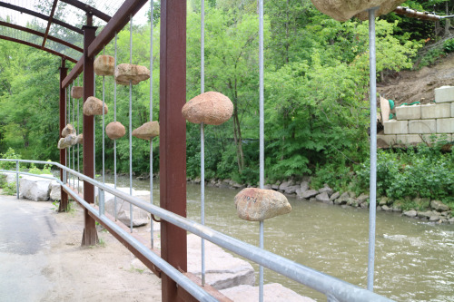 """""""High Water Mark"""" Installation on the Don River"""