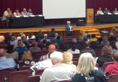 community members attend a Scarborough Waterfront Project public information session