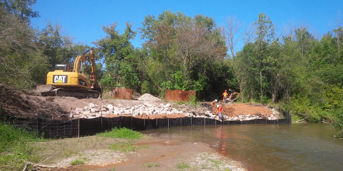Annie Crescent stream bank before restoration