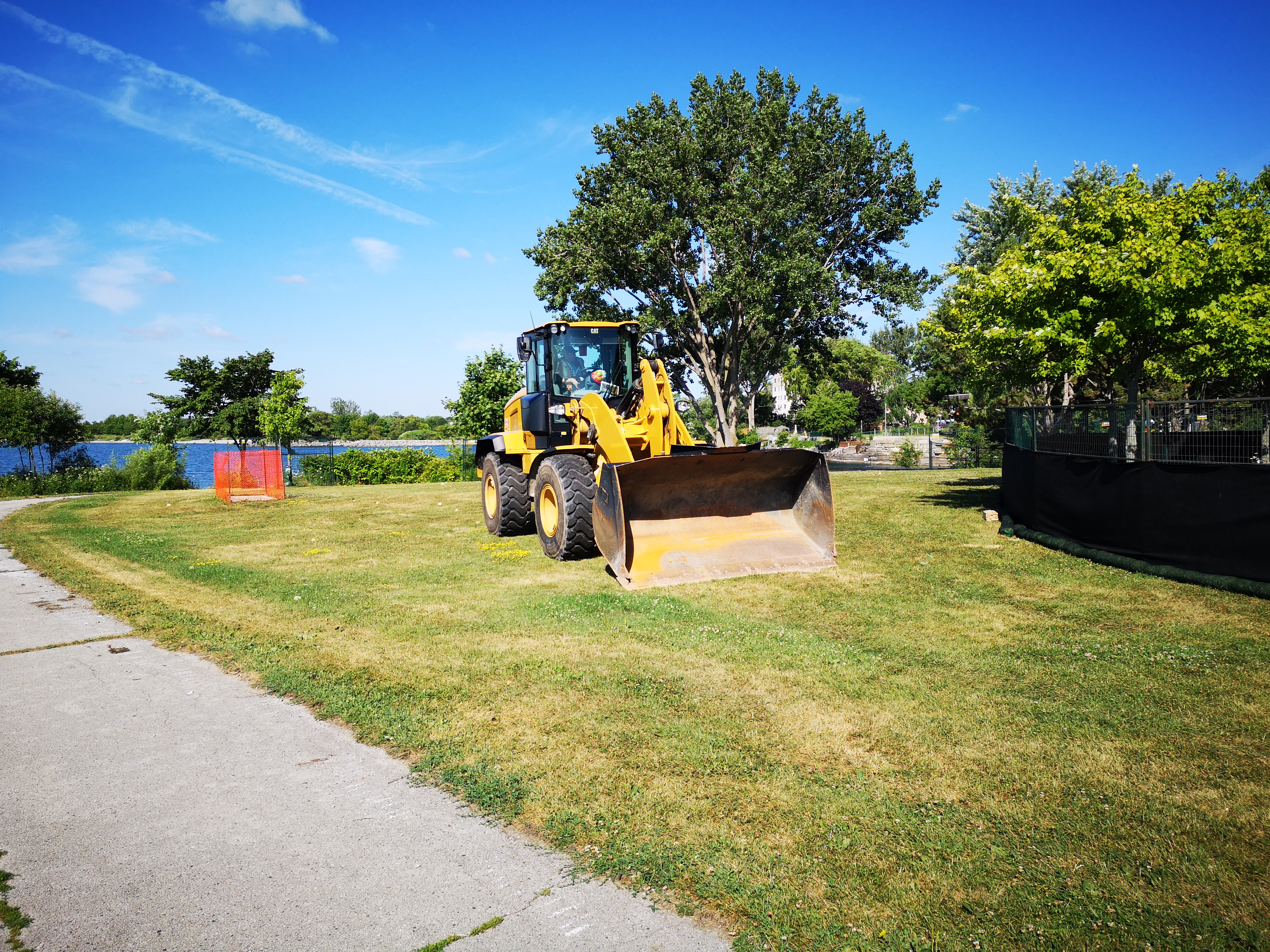 Fencing and construction equipment at Rotary Peace Park. Source: TRCA, 2018.