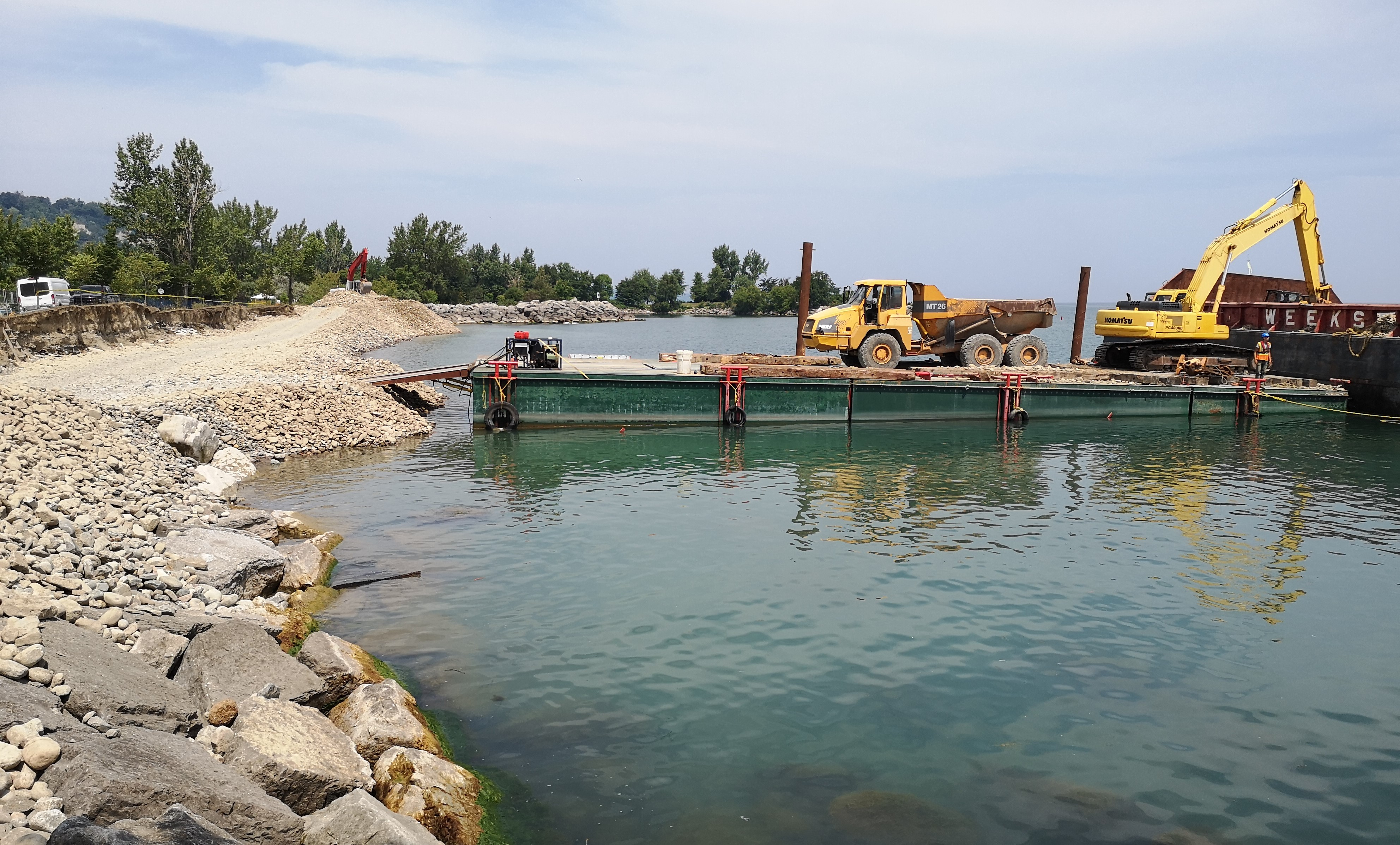 Delivery of cobble material by barge. Source: TRCA, 2018.