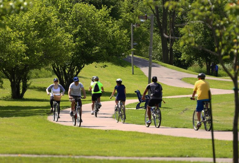 cyclists take part in Bike The Creek