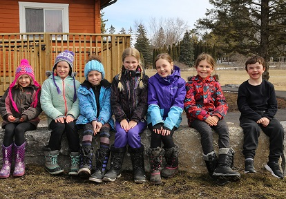elementary school students at Claremont Field Centre