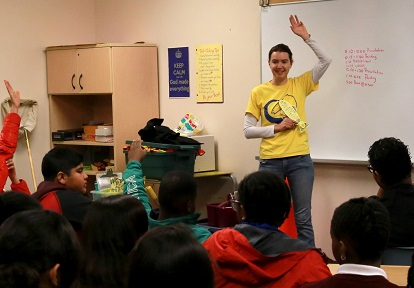 TRCA educator leads Yellow Fish Road program with junior high school class