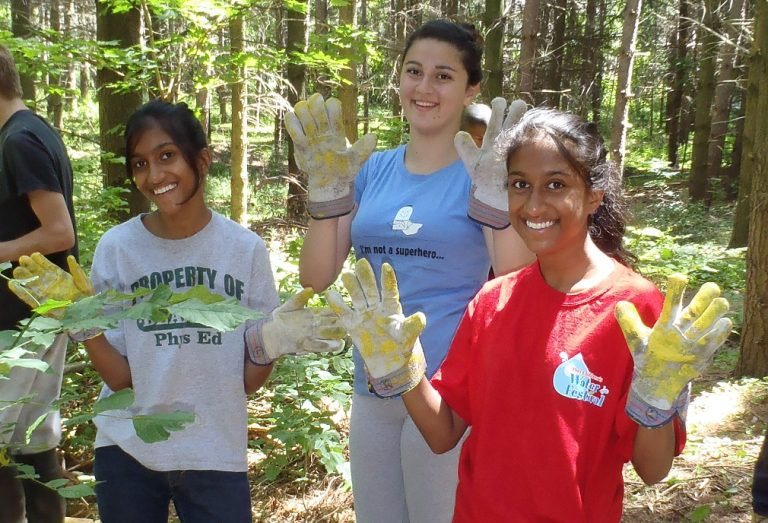 students participate in Conservation Youth Corps program