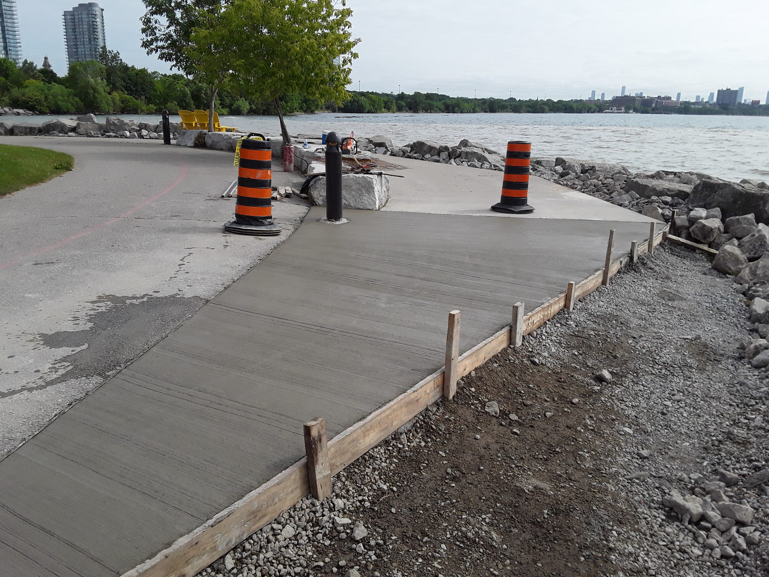 Newly poured concrete slab at the Sheldon Lookout portion of Humber Bay Shores Trail. Source: TRCA, 2019.