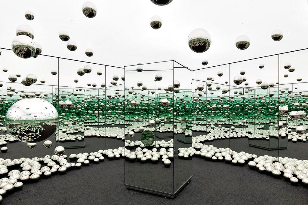 AGO, Infinity Mirrored Room, Yayoi Kusama,