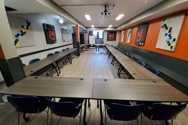Equipped accessible boardroom