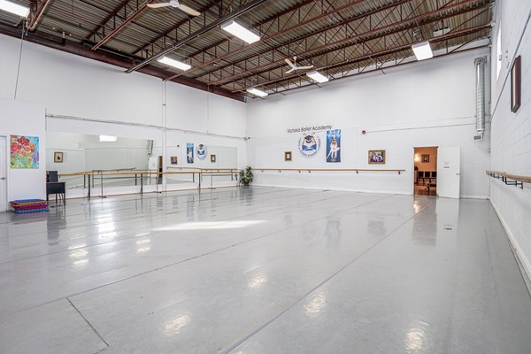 Studio #2: Ballet, dance, yoga, Pilates, martial arts studio