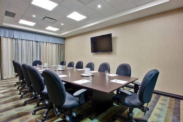 Fortune Boardroom - Comfortable boardroom with natural lighting located in hotel in Ottawa-West