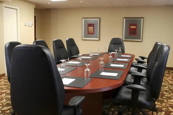 Stunning renovated meeting room - Alexandra